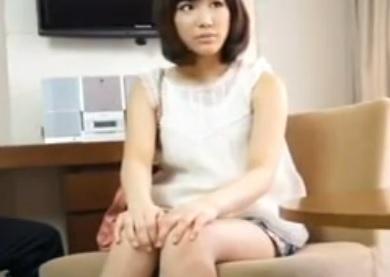 個人撮影 ナンパで見つけたTバックの素人娘が初めてAV出演するエロ動画