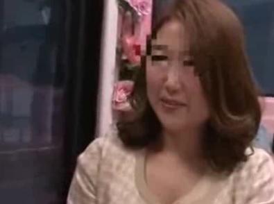 マジックミラー号 動画 表参道・銀座で見つけた素人人妻熟女のMM号エロ動画 4