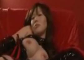 痴女な女王様のエロいプレイが見れるエロ動画
