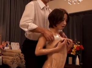 美人バイオリニストが犯されるエロ動画