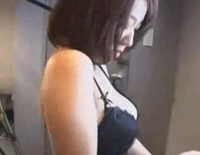 原望美 変態カメラマンにヤラれてしまう巨乳妻