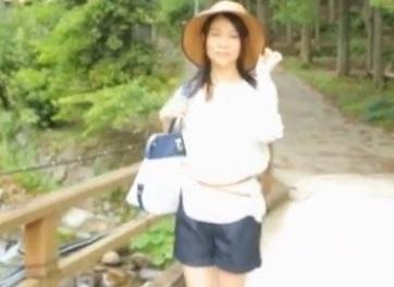 井上綾子 44歳 膣奥まで挿入される他人棒で3PSEX