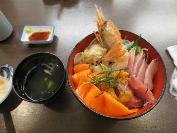 札幌 海鮮丼 いっかい 海鮮市場
