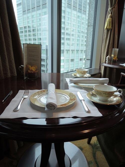 シャングリ・ラ ホテル 東京 英国ミシュランシェフ ギャリー・ローズ氏によるトラディッショナル イングリッシュ アフタヌーンティーを体験する!