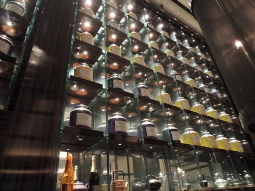 パレスホテル東京 「ザ パレス ラウンジ」でアフタヌーンティー②(紅茶、重箱&インテリア)