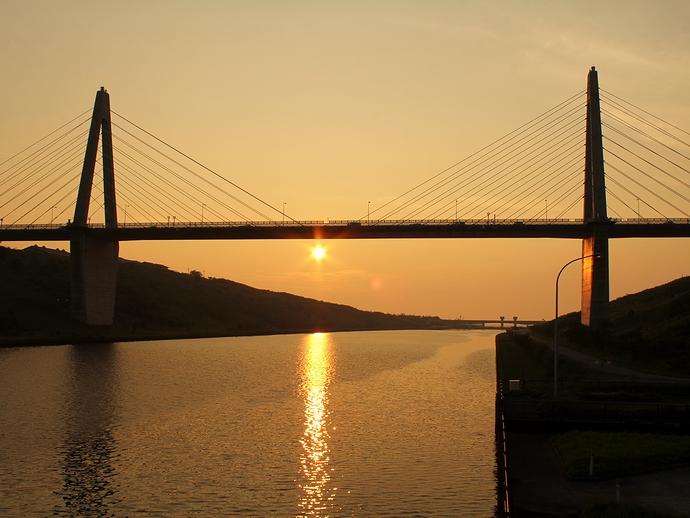 内灘のサンセットブリッジと夕日
