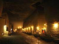 気分はまるで地底旅行!宇都宮・大谷資料館地下採掘場跡に潜入
