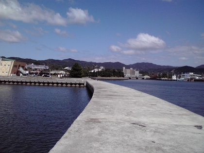 近畿・北陸、釣り場ガイド|みどりの波止釣りナビ 便利で広い港、釣り ...
