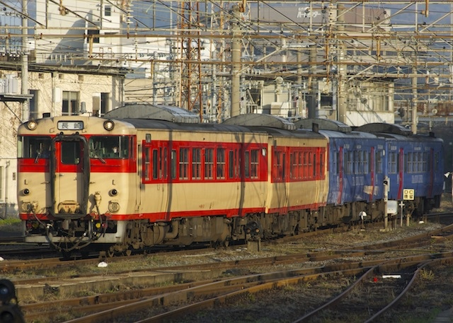 140302-JR-K-DC66-67-kokutetsu-SSL.jpg