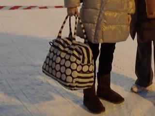海外旅行機内持ち込みバッグ