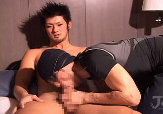 [男のプリケツ] ゲイ動画:男にフェラされなかなか勃起しない体育会 !! 好帥哥