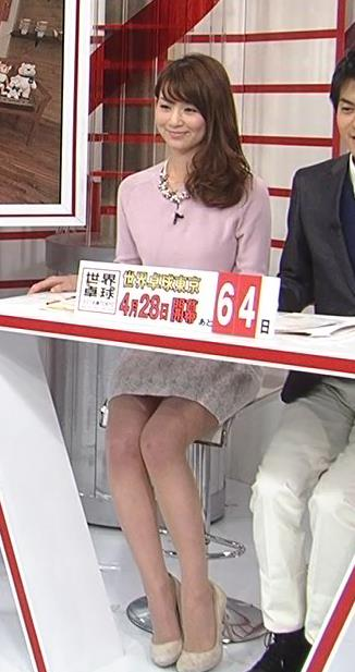 秋元玲奈 ミニスカ美脚&▼ゾーン (20140227)