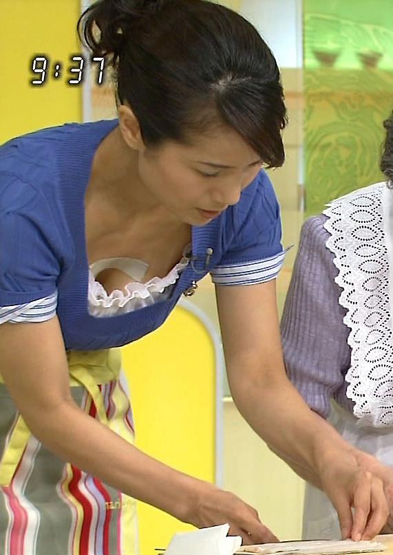 NHKの料理番組 最高の胸ちらキャプ画像(エロ・アイコラ画像)