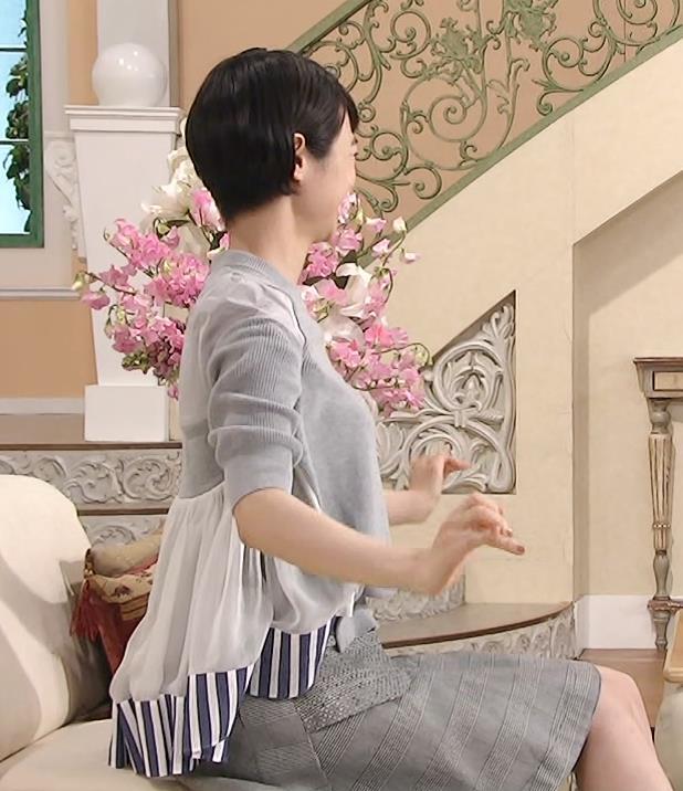 夏目三久 大きそうな横乳キャプ画像(エロ・アイコラ画像)