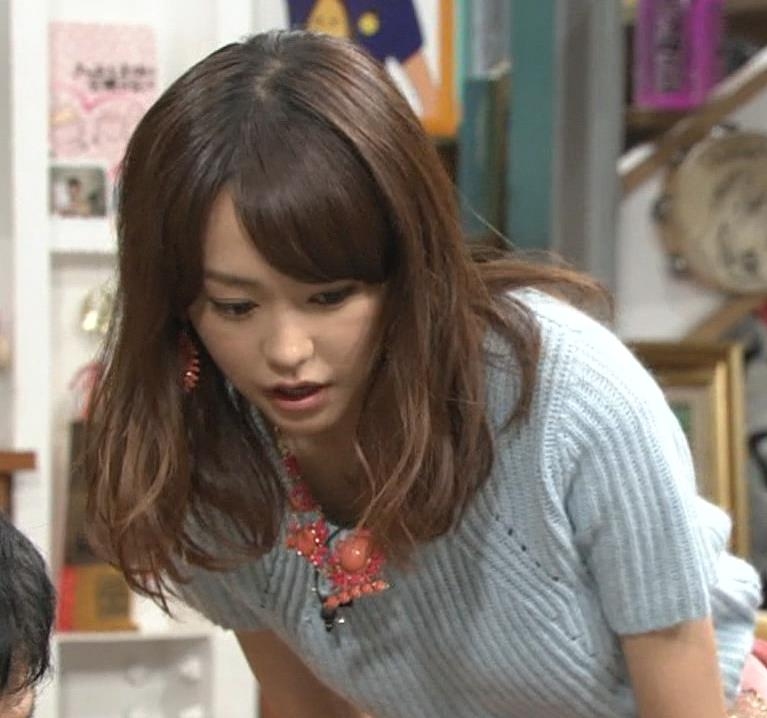 桐谷美玲 セーターおっぱいキャプ画像(エロ・アイコラ画像)