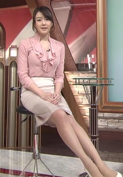大島由香里 タイトで巨乳がぱっつんな服とミニスカ美脚キャプ画像(エロ・アイコラ画像)