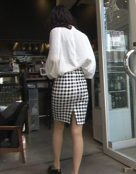岡本あずさ タイトスカートキャプ画像(エロ・アイコラ画像)
