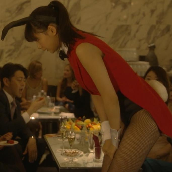 西内まりや バニーガールコスプレがエロいキャプ画像(エロ・アイコラ画像)
