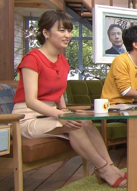 枡田絵理奈 スカートのスリットから太ももが…キャプ画像(エロ・アイコラ画像)