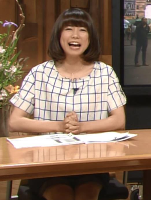 青山愛 ミニスカキャプ画像(エロ・アイコラ画像)