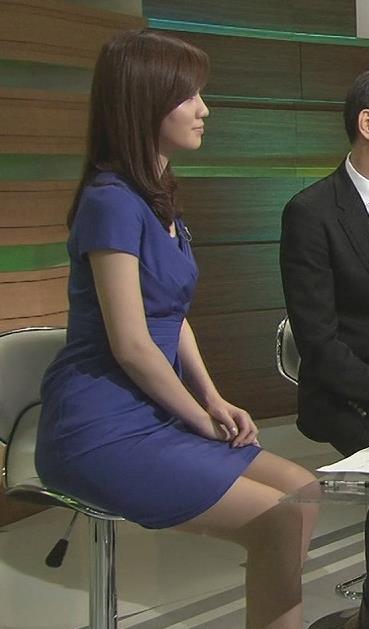 黒木奈々 タイトなミニスカワンピースキャプ画像(エロ・アイコラ画像)
