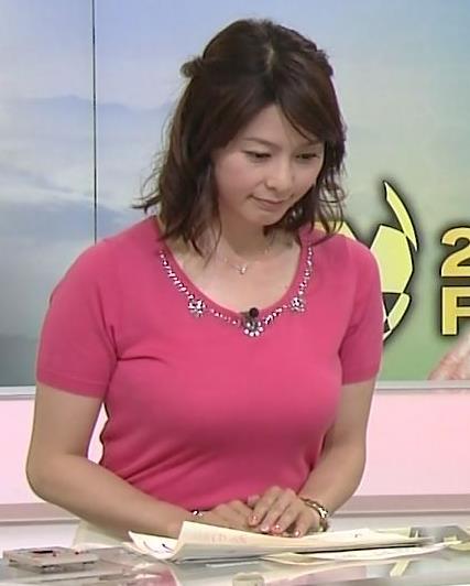 杉浦友紀 巨乳×Tシャツキャプ画像(エロ・アイコラ画像)