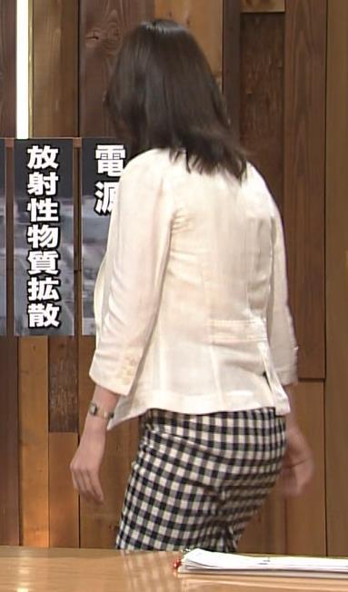 小川彩佳 お尻キャプ画像(エロ・アイコラ画像)