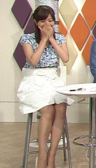 徳島えりか ミニスカ美脚&▼ゾーン