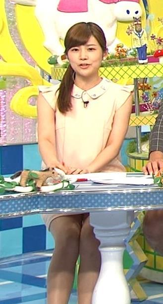 竹内友佳 ミニスカのデルタゾーンキャプ画像(エロ・アイコラ画像)