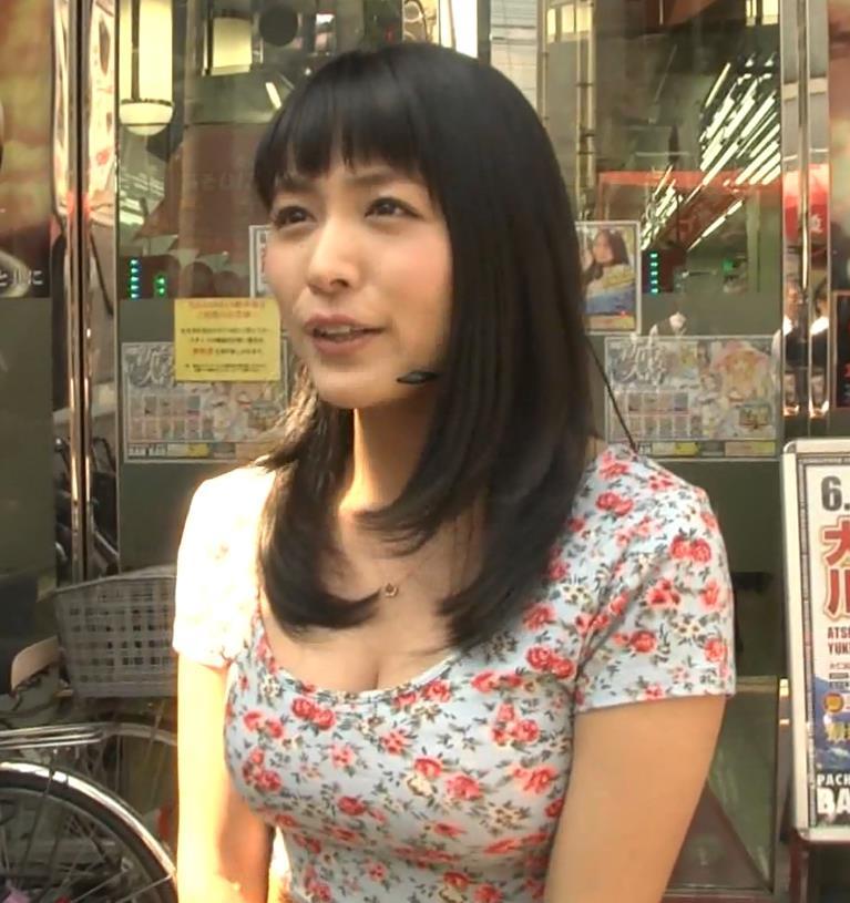 川村ゆきえ おっぱい強調ワンピースキャプ画像(エロ・アイコラ画像)