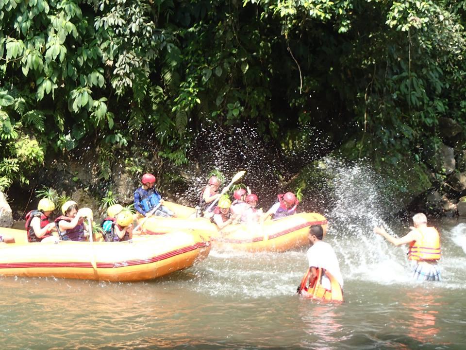 JamuSpaSchoolラフティングボート2014-7